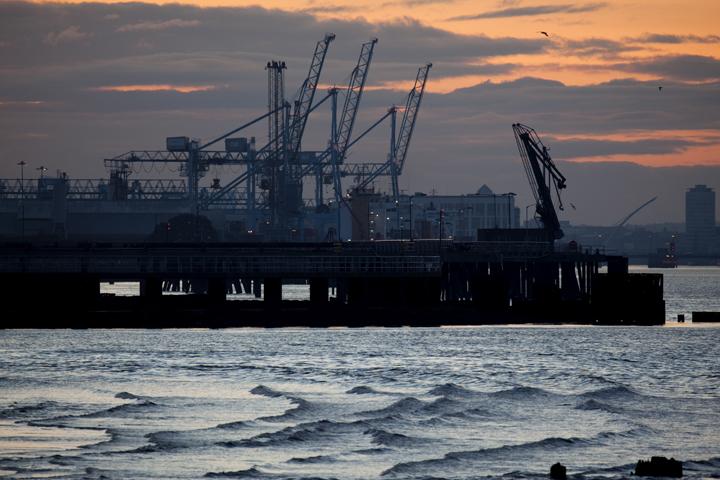 dusk dublin docks